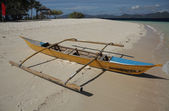 Traditional Philippines boat on the beach — Stock Photo