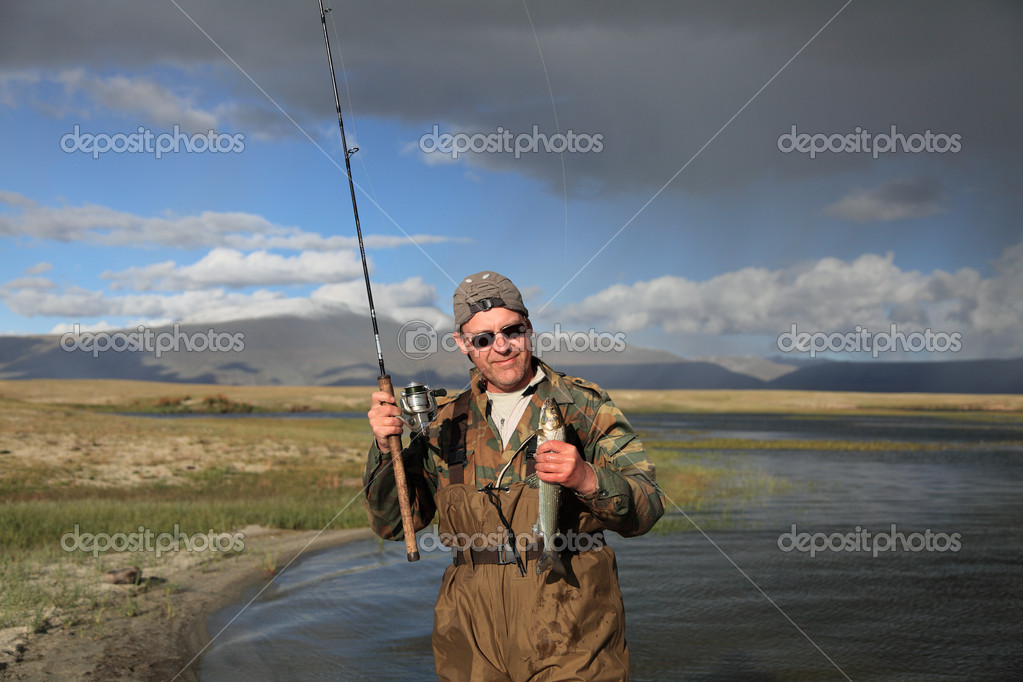 Dayan Nuur lake ( Dayan ) in Mongolian Altai — Stock Photo #5784311