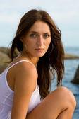 Beautiful young brunette woman — Stockfoto