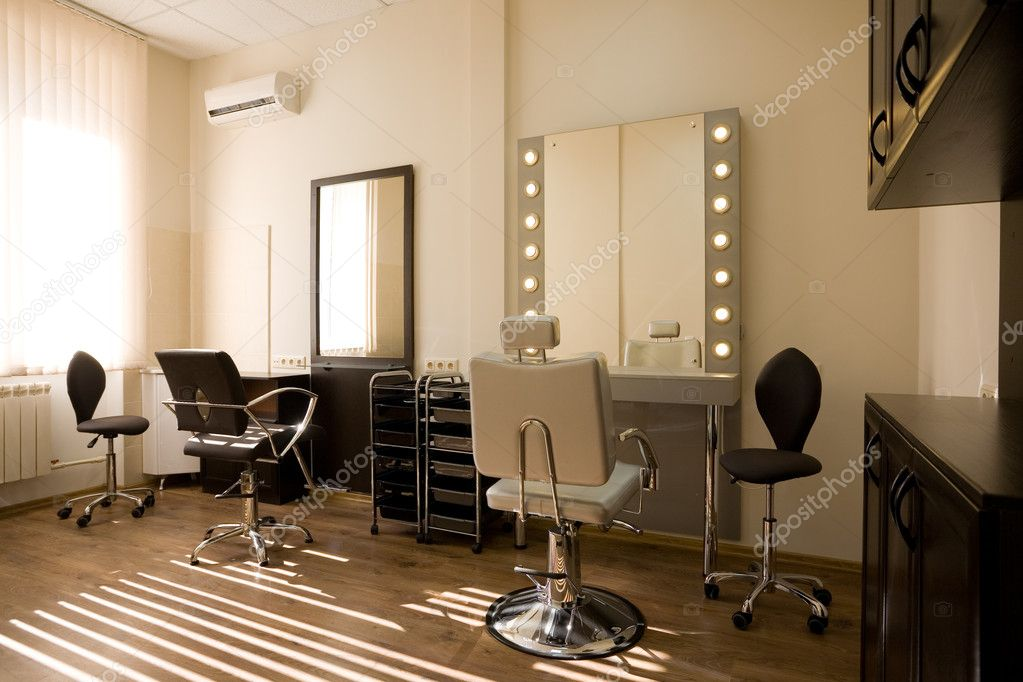 Modern salon makeup artist and hairdresser — Stock Photo © StasK #5746918 -> Armoire Design Salon