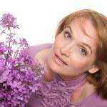 kır çiçekleri olan kadın — Stok fotoğraf #5942296