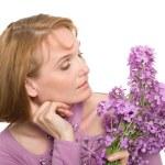 kır çiçekleri ile kadın portre — Stok fotoğraf #5942305