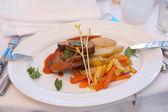 Glasierte lamm-steak — Stockfoto