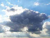 Dark and light clouds in the sky — Stock Photo