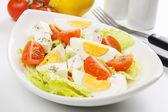 Ensalada de queso y huevo — Foto de Stock