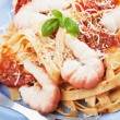 Shrimp and pasta with tomato sauce — Stock Photo