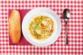 麺と野菜のスープ — ストック写真