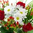 Bright bouquet with chamomiles and roses — Stock Photo #6405061