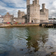 Caernarfon castle in Snowdonia, Wales — Stock Photo #6636420