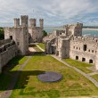 Caernarfon castle in Snowdonia, Wales — Stock Photo #6729695