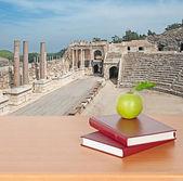 Ruins of roman theatr — Stock Photo