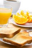 Colazione con toast e arancio — Foto Stock