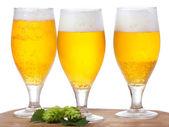 Glas med öl — Stockfoto