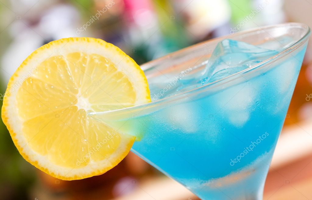 Blue curacao cocktail stock photo nitrub 6728842 for Cocktail curacao