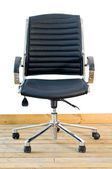 Modern black leather office chair — 图库照片