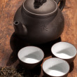 Chinese green tea pot and cups — 图库照片