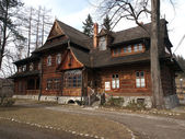 Traditional polish wooden hut from Zakopane — Stock Photo