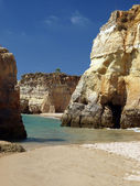Colourful rocks on the Algarve coast — Stock Photo
