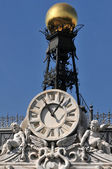Clock detail on building — Stock Photo