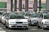 Many taxis waiting for passenger — Stock Photo