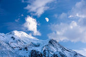 Moon over Mont Blanc. — Stock Photo