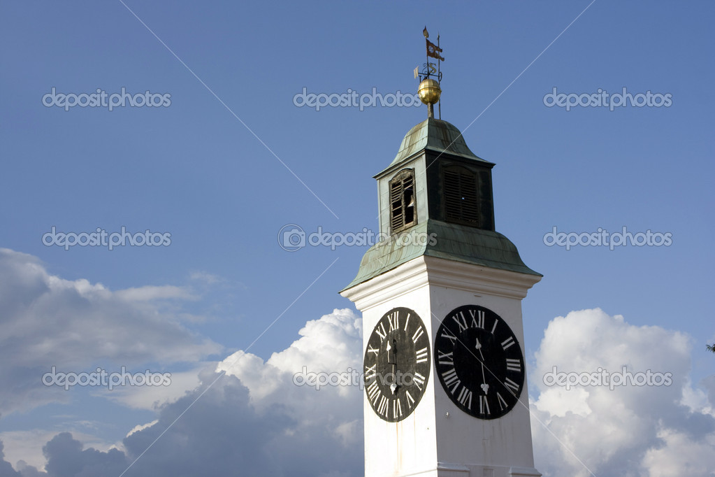 Big Petrovaradin clock tower on the right bank of Danube river in Novi Sad, Serbia — Stock Photo #6245289