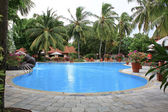 Swiming pool hotel — Stock Photo