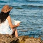 The pleasure of reading — Stock Photo #6592770