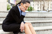 Affärskvinna sparken — Stockfoto