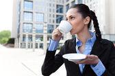 Kahve içmek işkadını — Stok fotoğraf