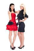 Mode bild av två vackra kvinnor — Stockfoto