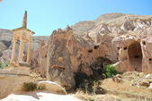Christianity and Islam in one place (Zelve, Cappadocia) — ストック写真