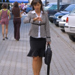 Businesswoman in a hurry — 图库照片
