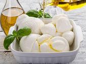 Vatiety of italian buffalo mozzarella-mix mozzarelle di bufala — Stock Photo