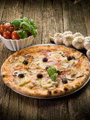 Pizza capricciosa — Stock Photo