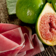 Parma ham with figs — Stock Photo #6403916