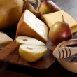 Honey pears and cheese - Stockfoto