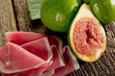 Parma ham with figs — Stock Photo