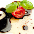 Olive oil balsmaic vinegar tomato and basil — Stock Photo #6424035