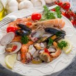 Sea salad on dish - Foto Stock