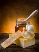 Natural homemade honey soap — Stock Photo