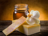 Natural homemade honey soap — Stock Photo
