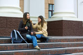 Teenage students on campus — Zdjęcie stockowe