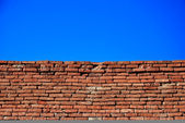 Brick wall and sky — Stock Photo