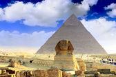 Grote piramide van farao chufu, en de sfinx. — Stockfoto