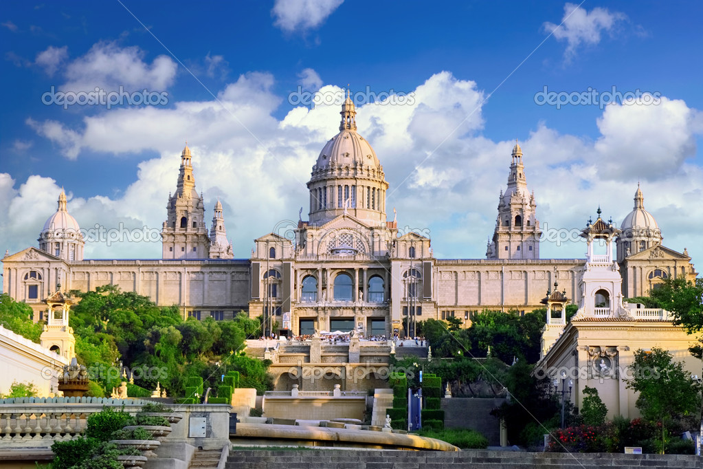 Placa De Espanya, the National Museum in Barcelona. Spain — Stock Photo #6285749
