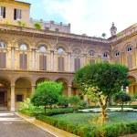 Enclosed court of Uffizi Gallery — Stock Photo