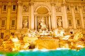 Fountain di Trevi .Night scene. Rome — Stock Photo