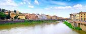 意大利佛罗伦萨、 托斯卡纳,阿诺河。全景图 — 图库照片