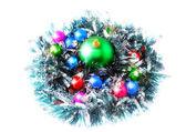 Noel, yılbaşı dekorasyonu topları, yeşil tinsel — Stok fotoğraf